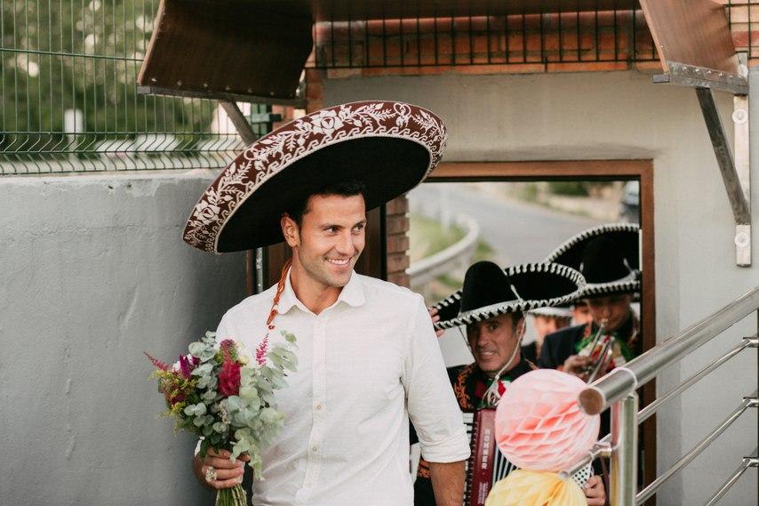 LYlh7wR5o Y - Как определить самого веселого гостя на свадьбе