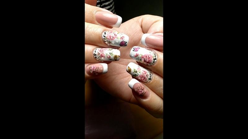 Захотелось лето, нежности, бабочек и цветов.🦋🌹🥀 Наращивание ногтей, гель-лак.  Хочешь такие ноготки, записывайся скорее! 👉📱Запис