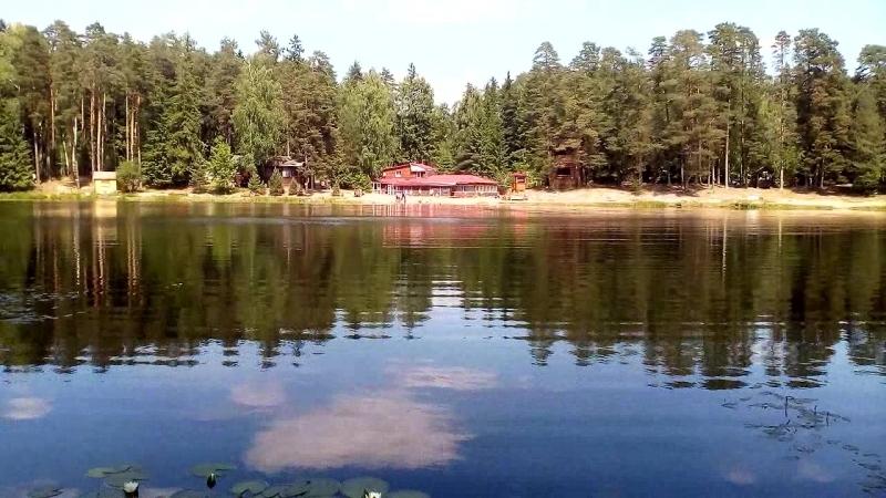 Прогулка у озера в доме отдыха