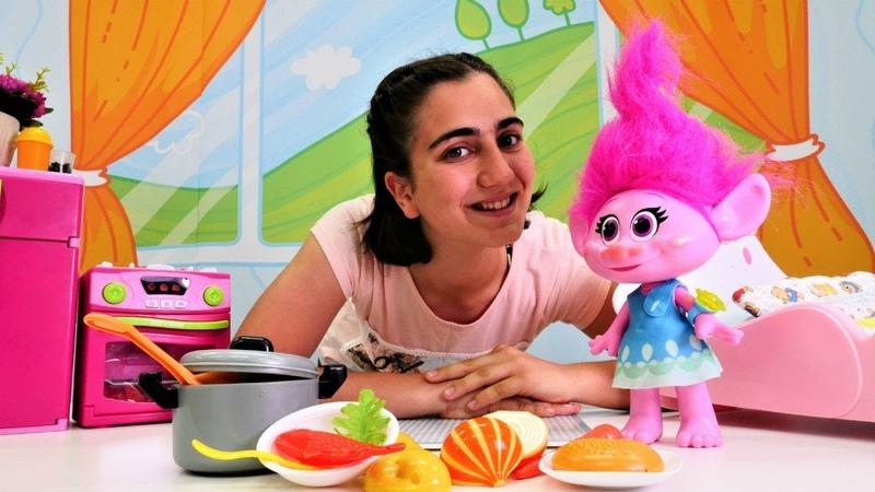 Troll Poppy ile kız videoları. Balıklı çorba yapalım