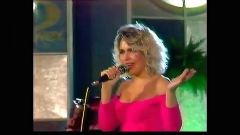 Kim Wilde- You Keep Me Hangin On( Live at Sopot 88)
