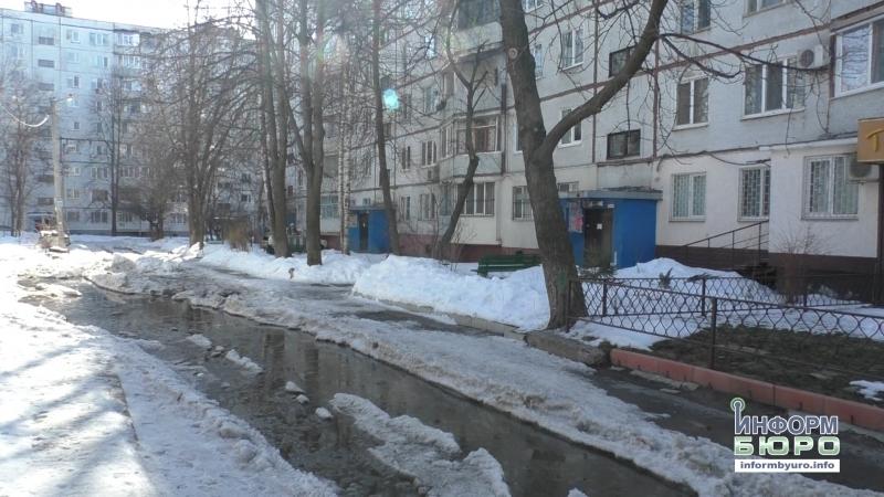 Частина вулиці Героїв праці перетворилася на штучну водойму