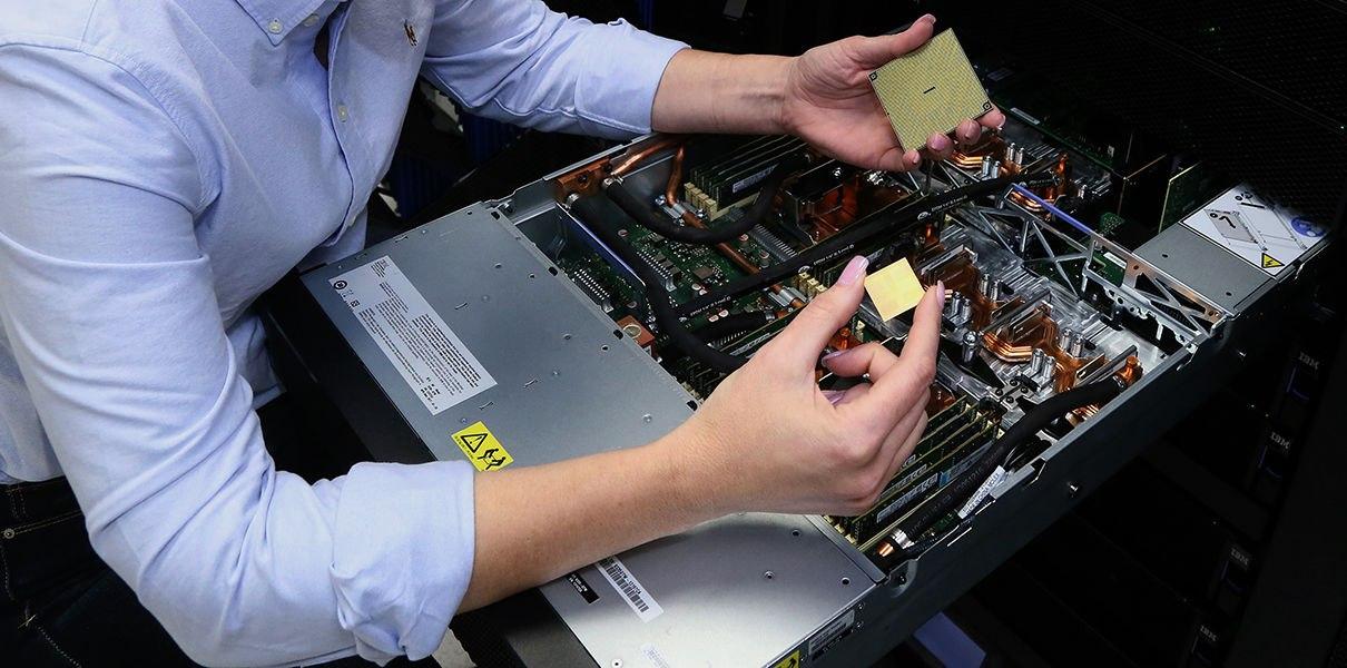 fOsxkelDPiw IBM представила первые серверы Power9 для ИИ