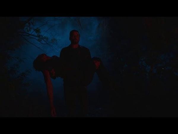 Фпи выносит окровавленное тело Джагхеда. Ривердейл 2 сезон 21 серия .