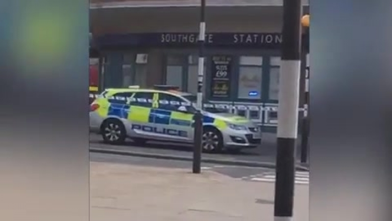Southgate tube station LOCKDOWN: Several injured in 'explosion' - Police surround scene