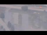 ВСУ согнали к жилым домам у линии соприкосновения большое количество бронетехники - Кадры снятые беспилотником ВСУ сбитым ополче