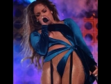 Дженифер Лопес (Jennifer Lopez) в интересных трусах