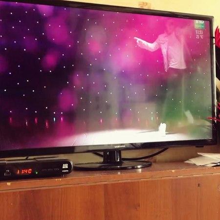 "Ленар Яшен on Instagram: ""Рамиль , @ramil_sharafiev куп тугелме син телевизорда?😂 Алыпта бара, клибында да тошэ😂 МузыкальКаймак Тнв"""