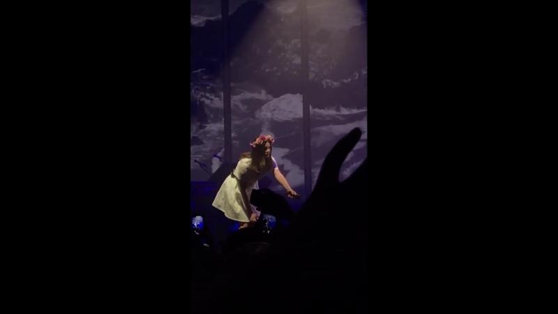 Lana Del Rey — Get Free (Live @ «LA To The Moon Tour»: «Palacio Vistalegre»)