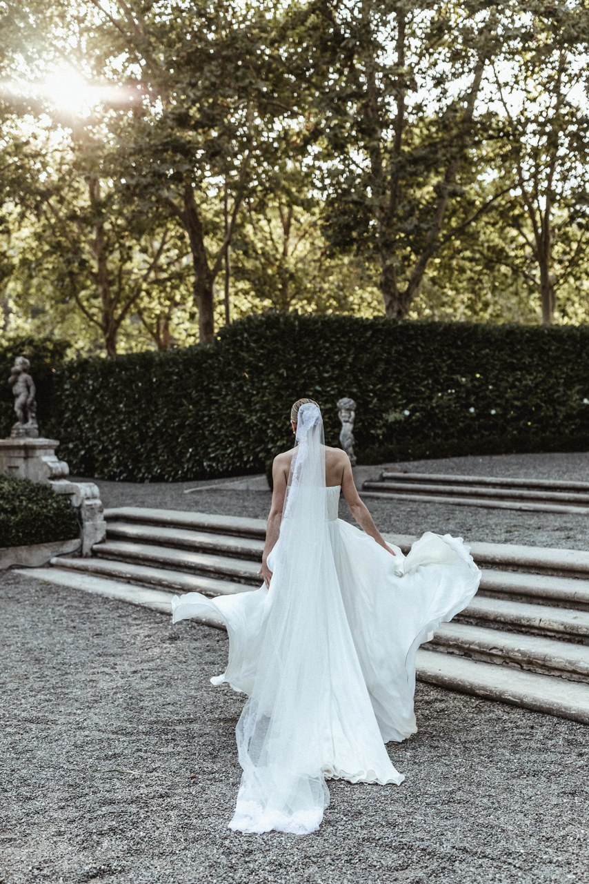 akNq1qgnzCk - Не делайте этого на свадьбе!