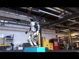 Boston Dynamics научили своего Атласа делать сальто!