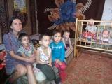В Уральске многодетная семья мерзнет на даче