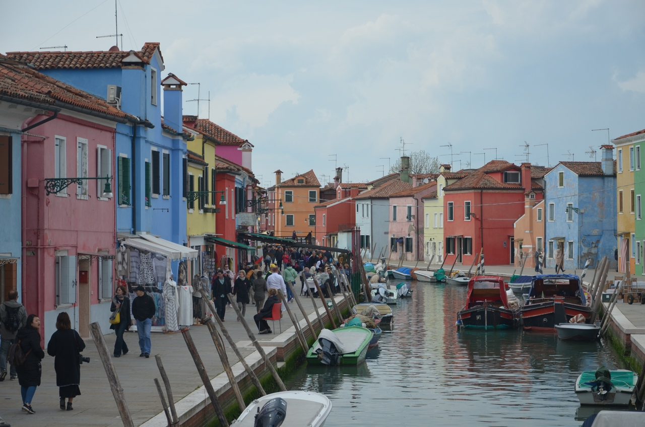 Y9jbSIBxpNc Бурано остров в Италии (Венеция).