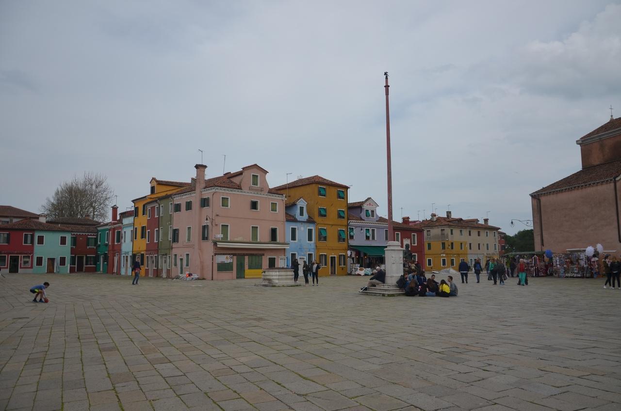 ynJgVFiVR_c Бурано остров в Италии (Венеция).