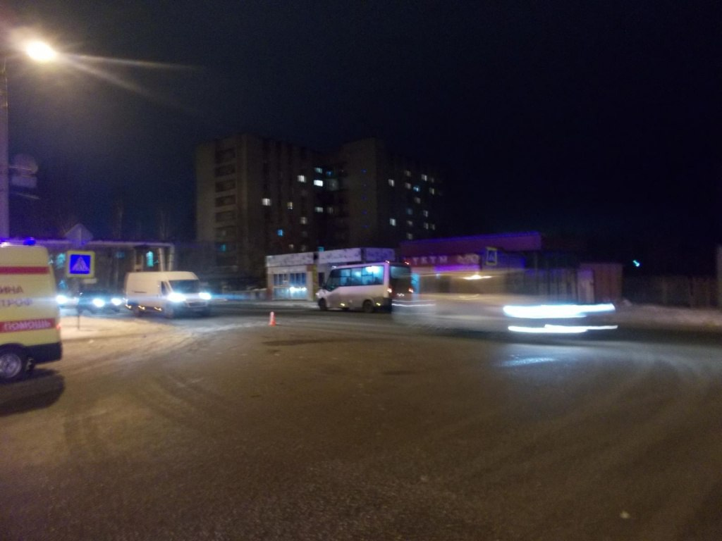 В районе остановки Спортивная в Дядьково, сбили женщину