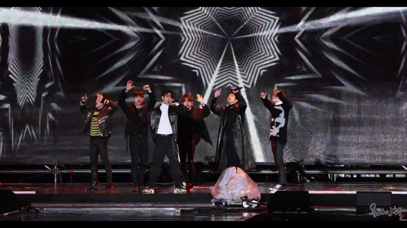FANCAM 24 02 18 B A P Hands Up @ K POP WORLD FESTA 2018