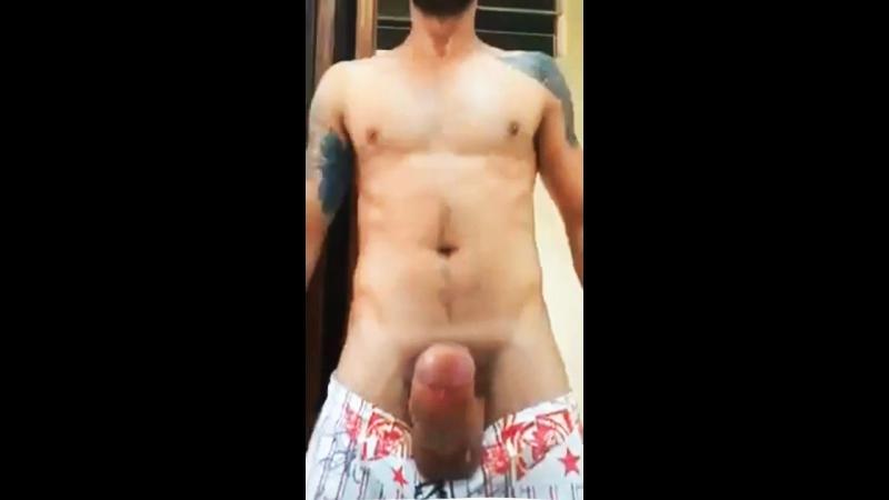 удар по яйцам порно большие сиськи