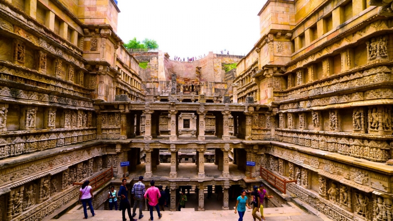 Древний колодец Рани-ки-вав - архитектурное чудо в Индии.