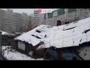 80-летняя бабушка живет в центре города среди дорогих высоток в избушке, наполов