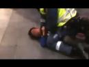 Не давно в израиле еврейский полицейский задушил несовершеннолетнего ребенка!  Евреи душегубы проклинаю вас Именем Аллаха! Будьт