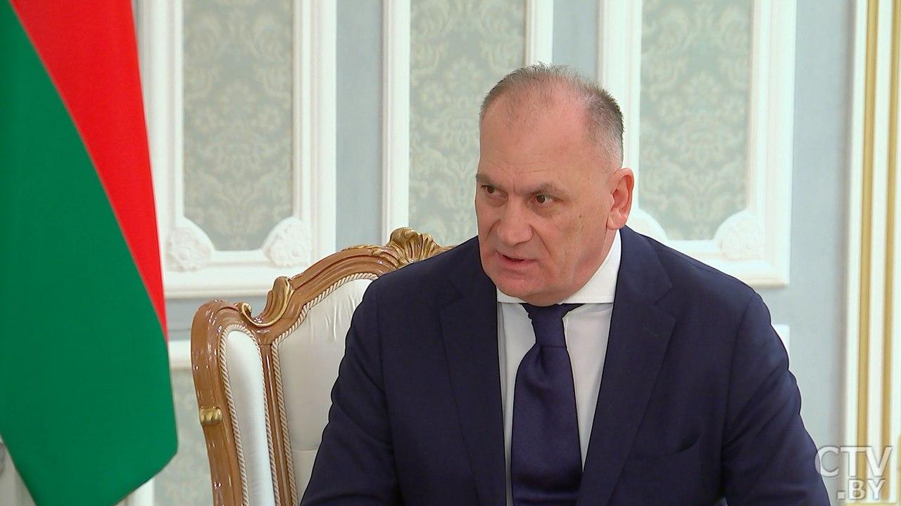 Визит вГрузию нужно  наполнить определенным  содержимым  — Лукашенко