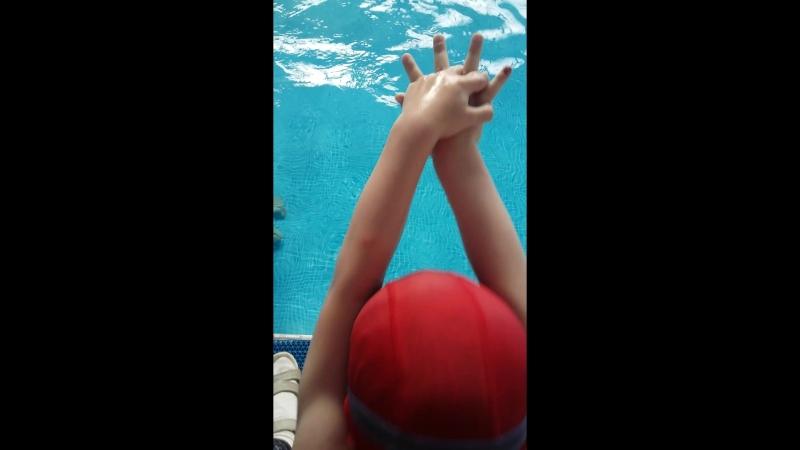 анастасияандреевамаяк Группа обучение плаванию с родителями пн. ср. пт 18:00 ч. С 3 лет.