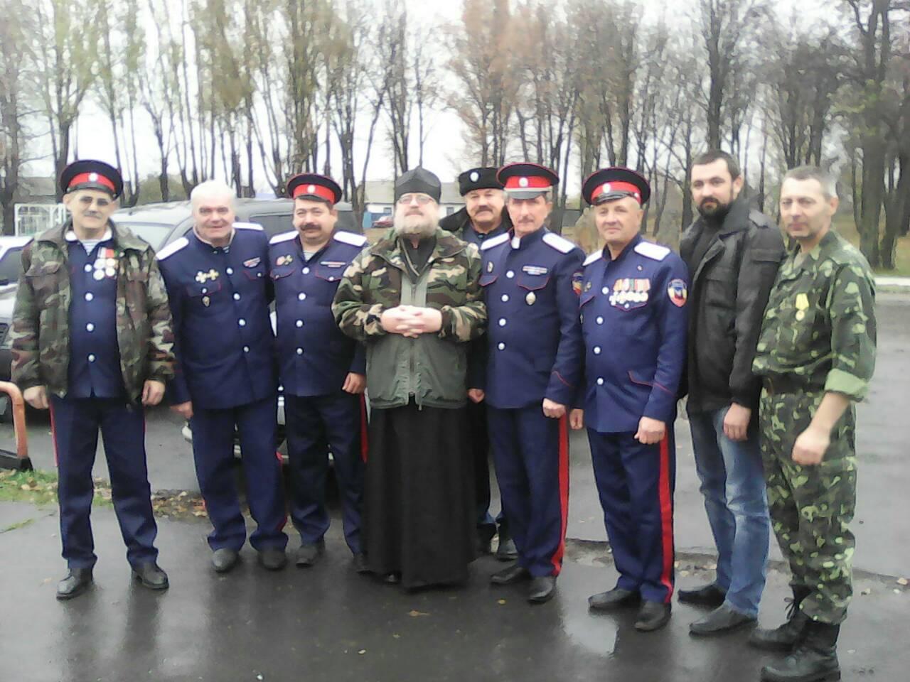 Ровеньковские казаки отметили наградами защитников Донбасса