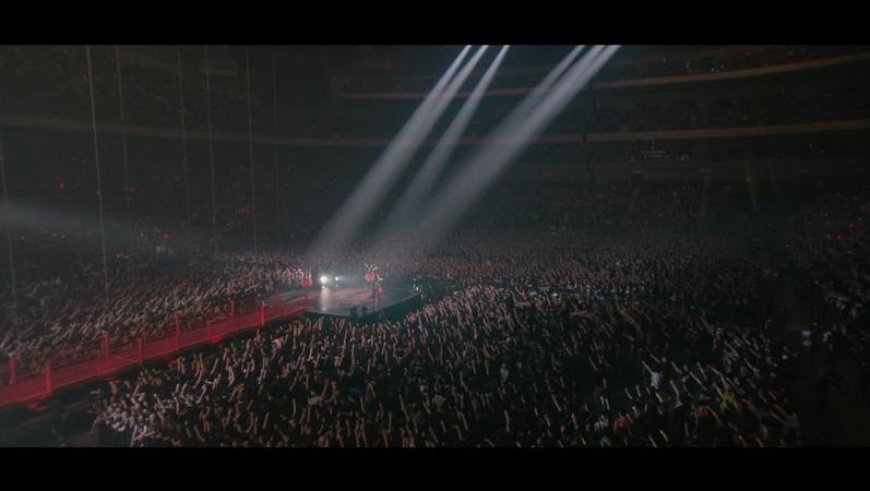 BABYMETAL - Road of Resistance - Live in Japan (OFFICIAL)