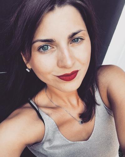 Анна Мезина