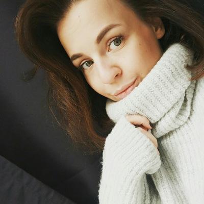 Полина Комарова