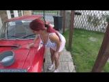 Мама с голыми сиськами моет машину сына [milf, mature, милф, мамки]