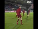 Разминка перед матчем против «Хаддерсфилда»
