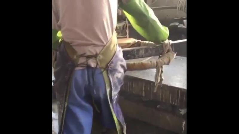Контроль качества гранитных изделий на заводе в Китае рабочиевыходные гранитоптом китайкамень