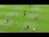 Salah attempting to punch Martins Indi vs Stoke.