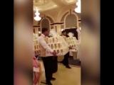 Гостей на свадьбе в Саудовской Аравии одарили техникой Apple