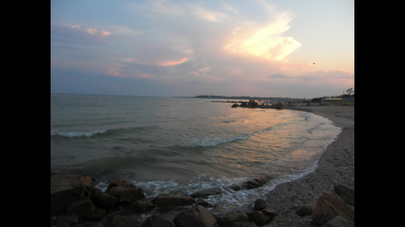 Шум моря. Рожевий захід. Із власних спостережень