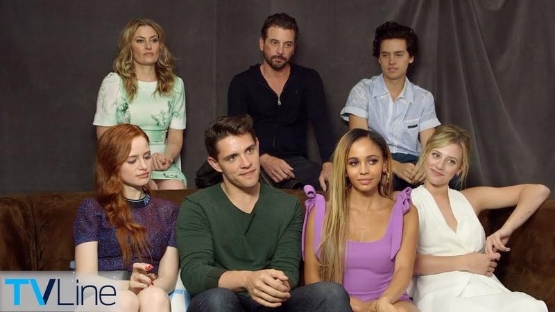Riverdale Cast On Dream Bughead Proposal, Choni, Season 3, More | Comic-Con 2018 | TVLine