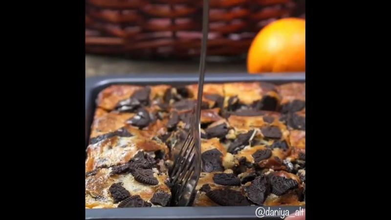 Шоколадно сливочный пирог с шоколадным печеньем я взяла орео