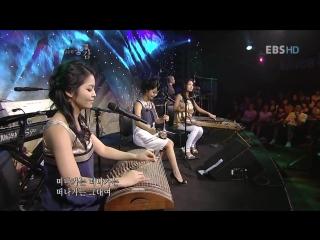 200. Korean girls perform - Million scarlet roses.