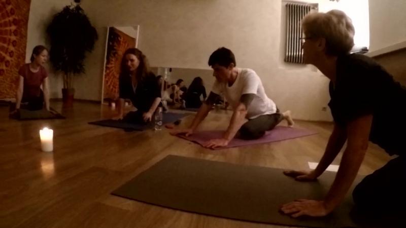 кто рано встает тот на йогу идет