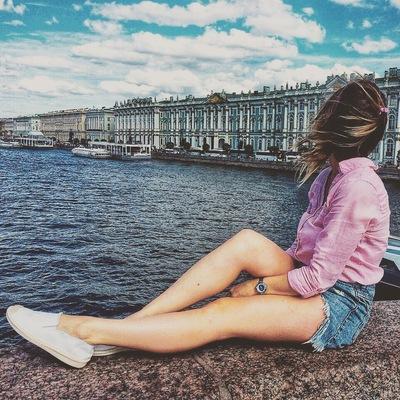 Анна Дёшина