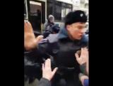 Навальный LIVE  @navalnylive   На заседании ЕСПЧ представитель от России рассказывал, что власть даёт Навальному все условия дл