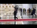 Очередной трюк с пальто от нашего Президента. Гастроли в Минске.