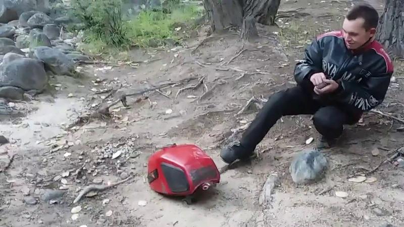 Что будет, если кинуть спичку в бак от мотоцикла иж