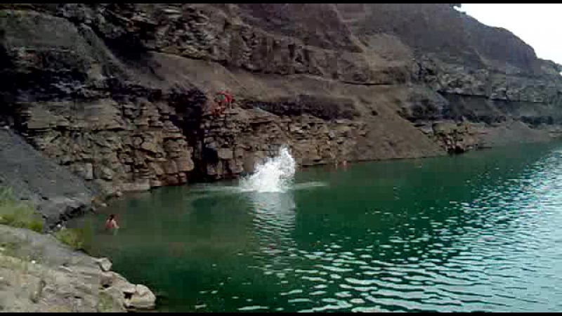 Прыжок с горы на волнухино