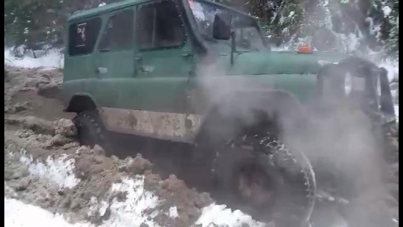 танки грязи не бояться)