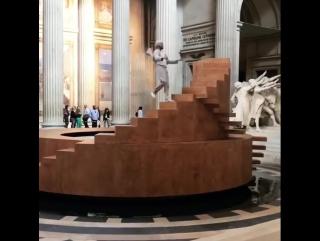 «Механика истории» Иоанна Буржуа