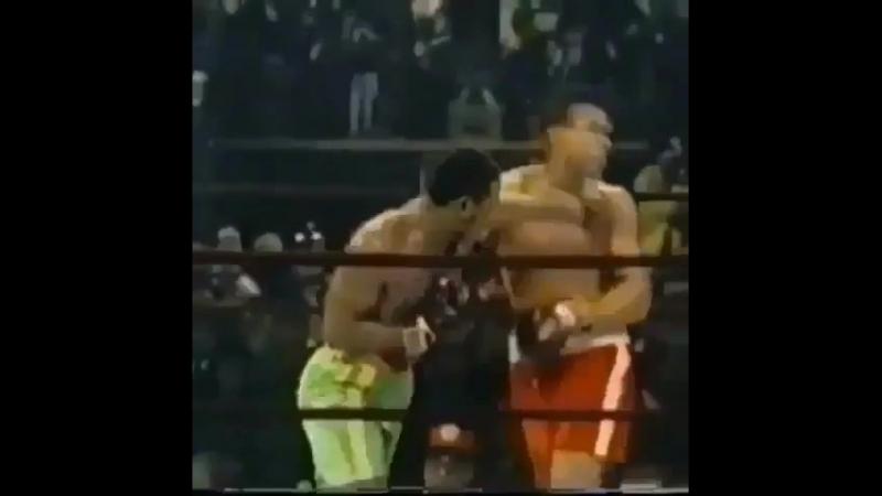 Левые боковые в первом бою с Али от Джо Фрейзера