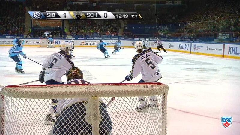 Моменты из матчей КХЛ сезона 14/15 • Опасный момент. Вярн Макс (Сочи) пытался пропихнуть шайбу в ворота 29.09