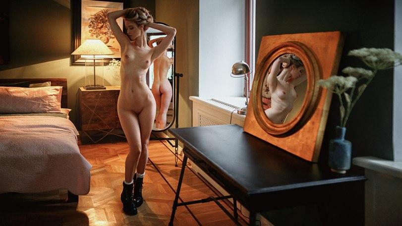 Ort Kuliste Schoolgirls Girmek Kark Atletik Bathhouse